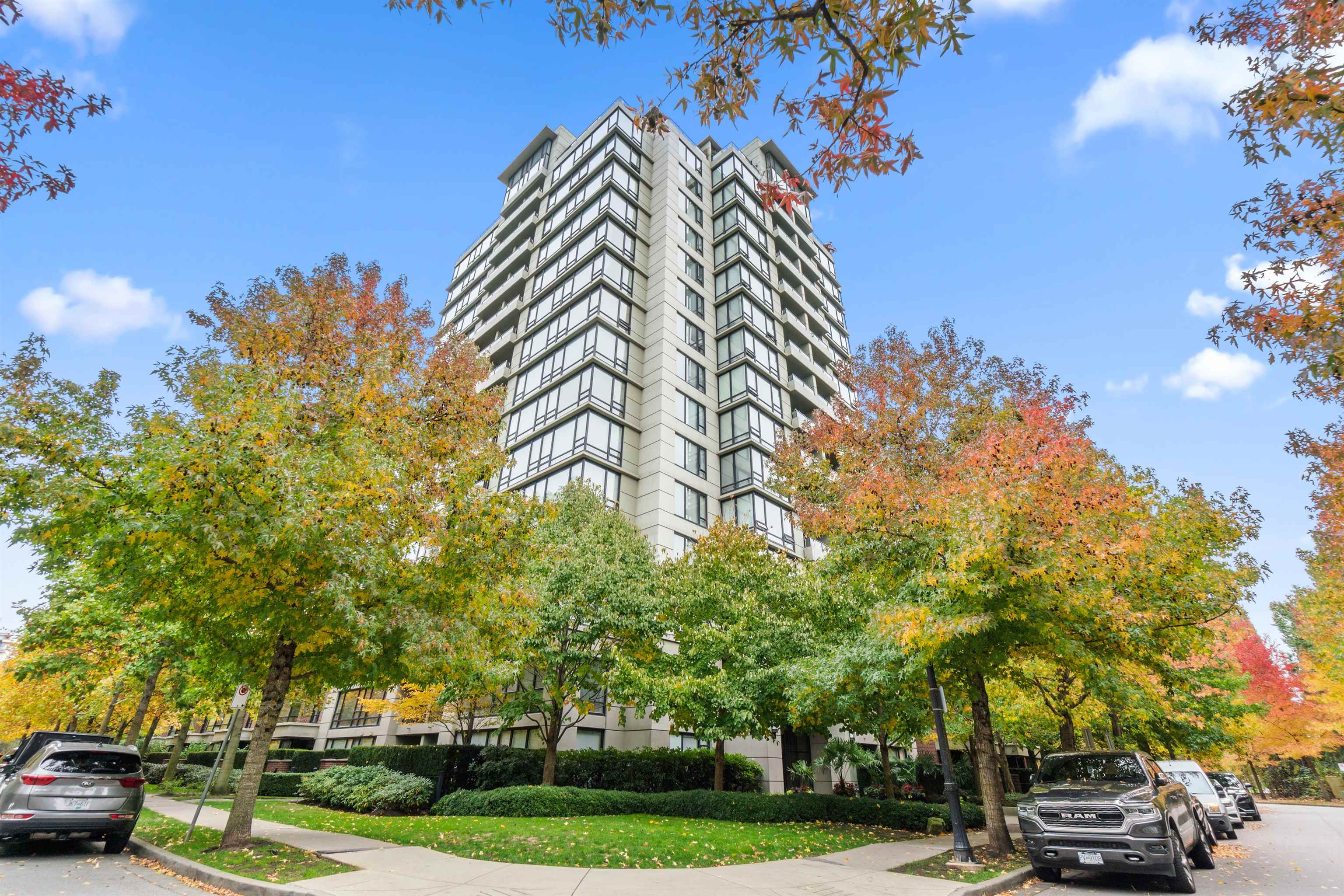 1308 9133 HEMLOCK DRIVE - McLennan North Apartment/Condo for sale, 2 Bedrooms (R2626134)
