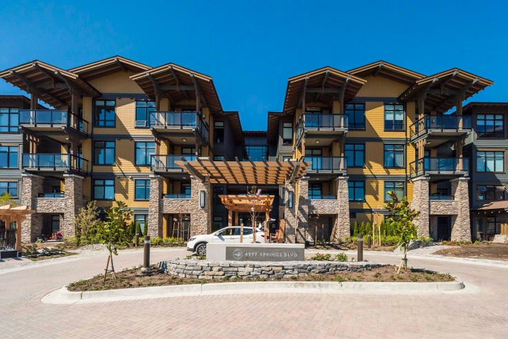 302 4977 SPRINGS BOULEVARD - Tsawwassen North Apartment/Condo for sale, 2 Bedrooms (R2626166)