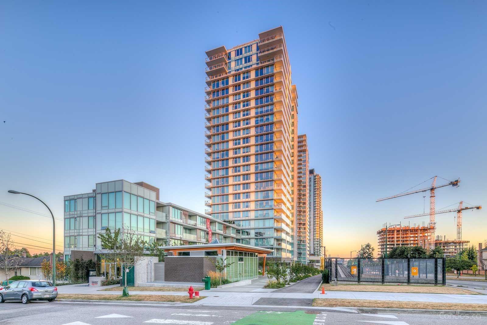 802 8131 NUNAVIT LANE - Marpole Apartment/Condo for sale, 2 Bedrooms (R2626238)