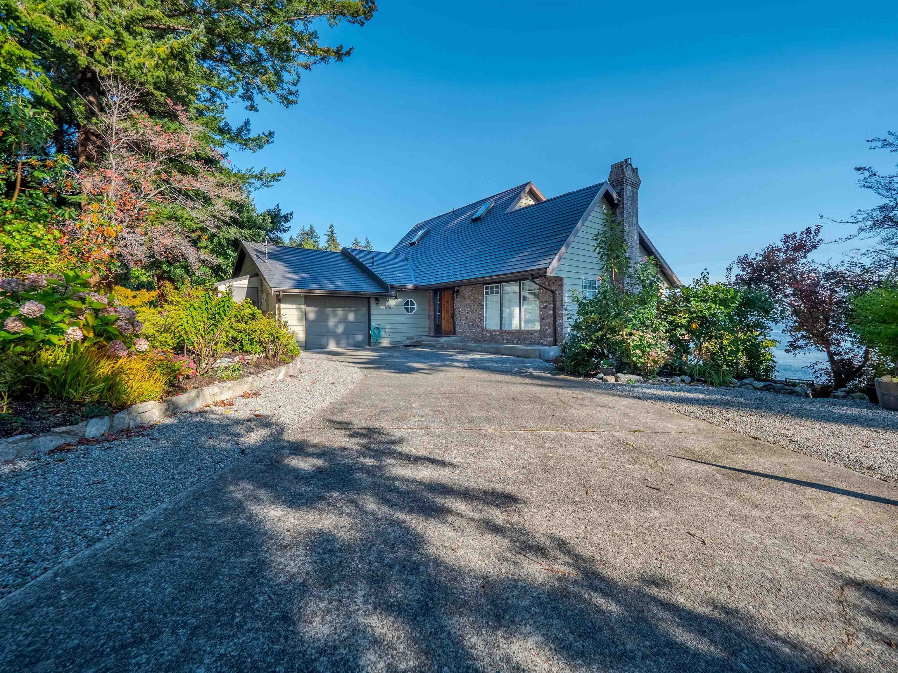 5490 HILL ROAD - Sechelt District House/Single Family for sale, 3 Bedrooms (R2626264)