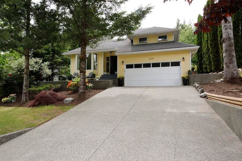 1039 TOBERMORY WAY - Garibaldi Highlands House/Single Family for sale, 3 Bedrooms (R2626424)