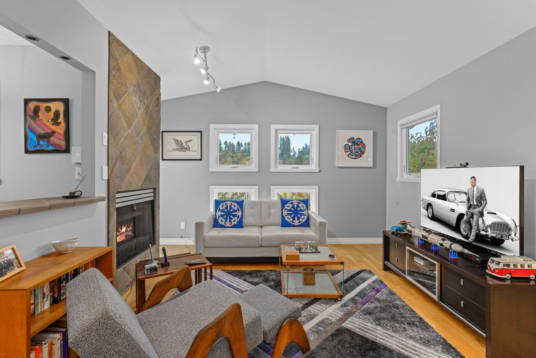 303 1528 BOWSER AVENUE - Norgate Apartment/Condo for sale, 2 Bedrooms (R2626459) - #1