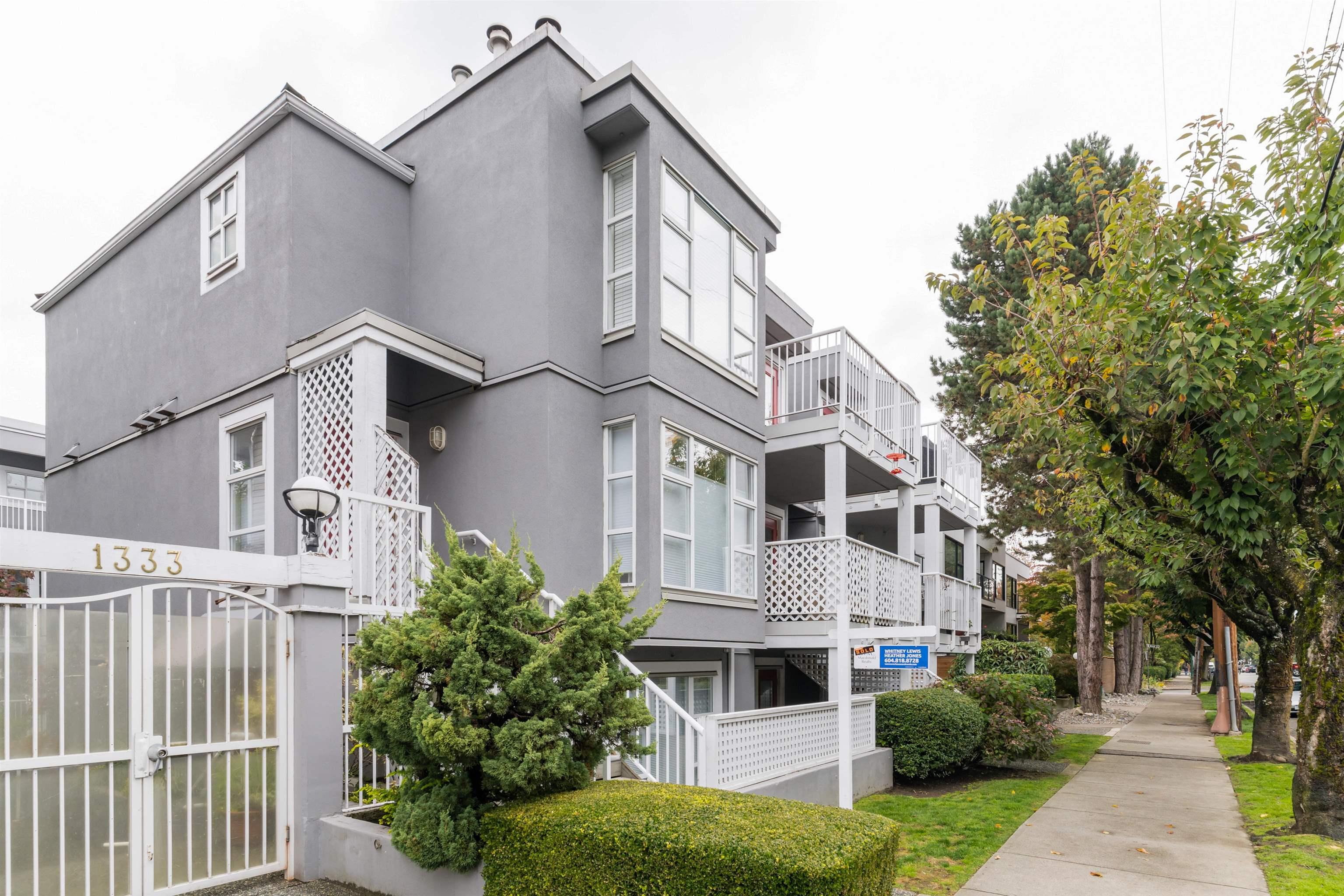 304 1333 W 7TH AVENUE - Fairview VW Apartment/Condo for sale, 1 Bedroom (R2626728)