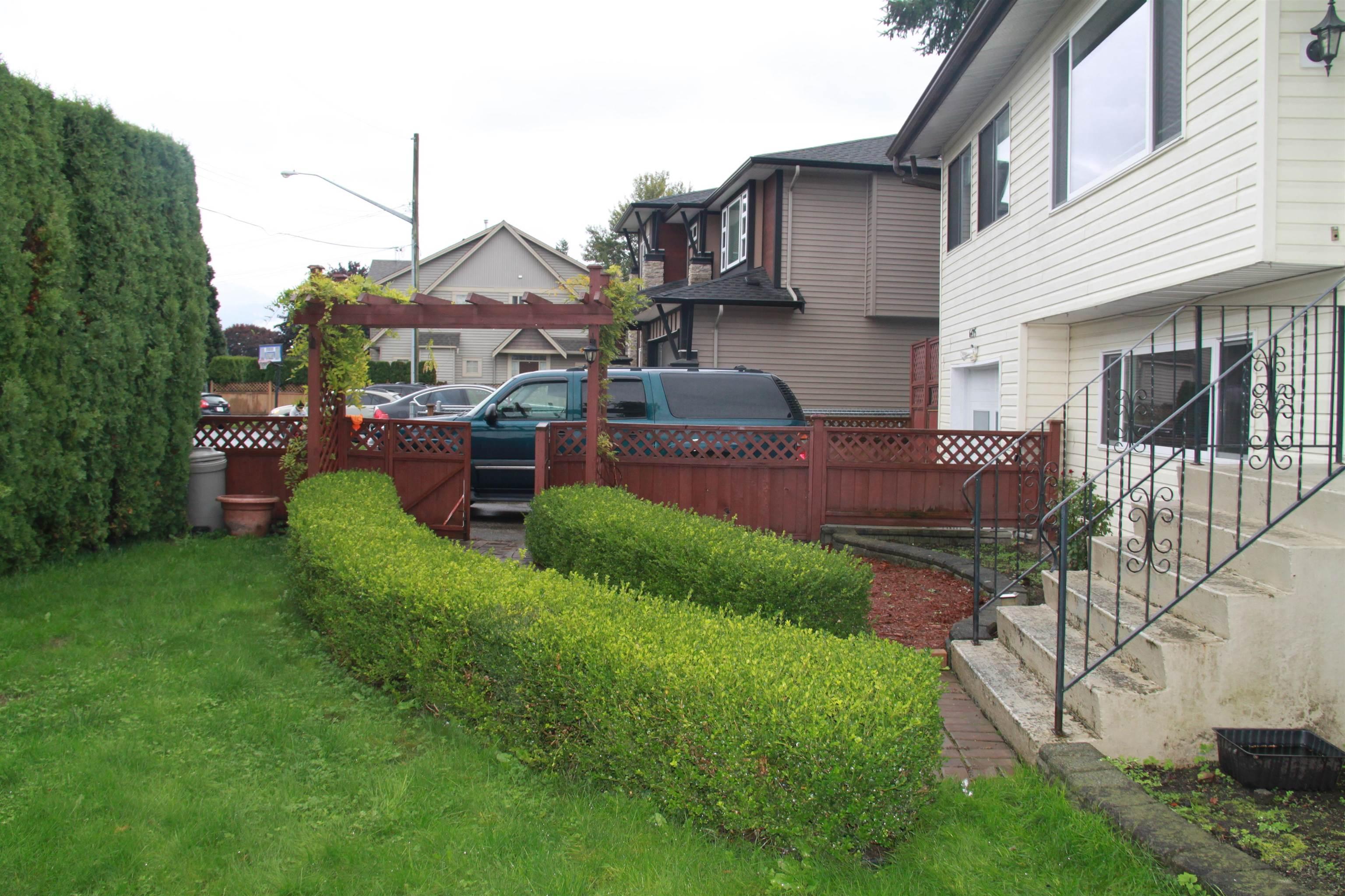 6435 FERN STREET - Sardis West Vedder Rd House/Single Family for sale, 5 Bedrooms (R2626889) - #1