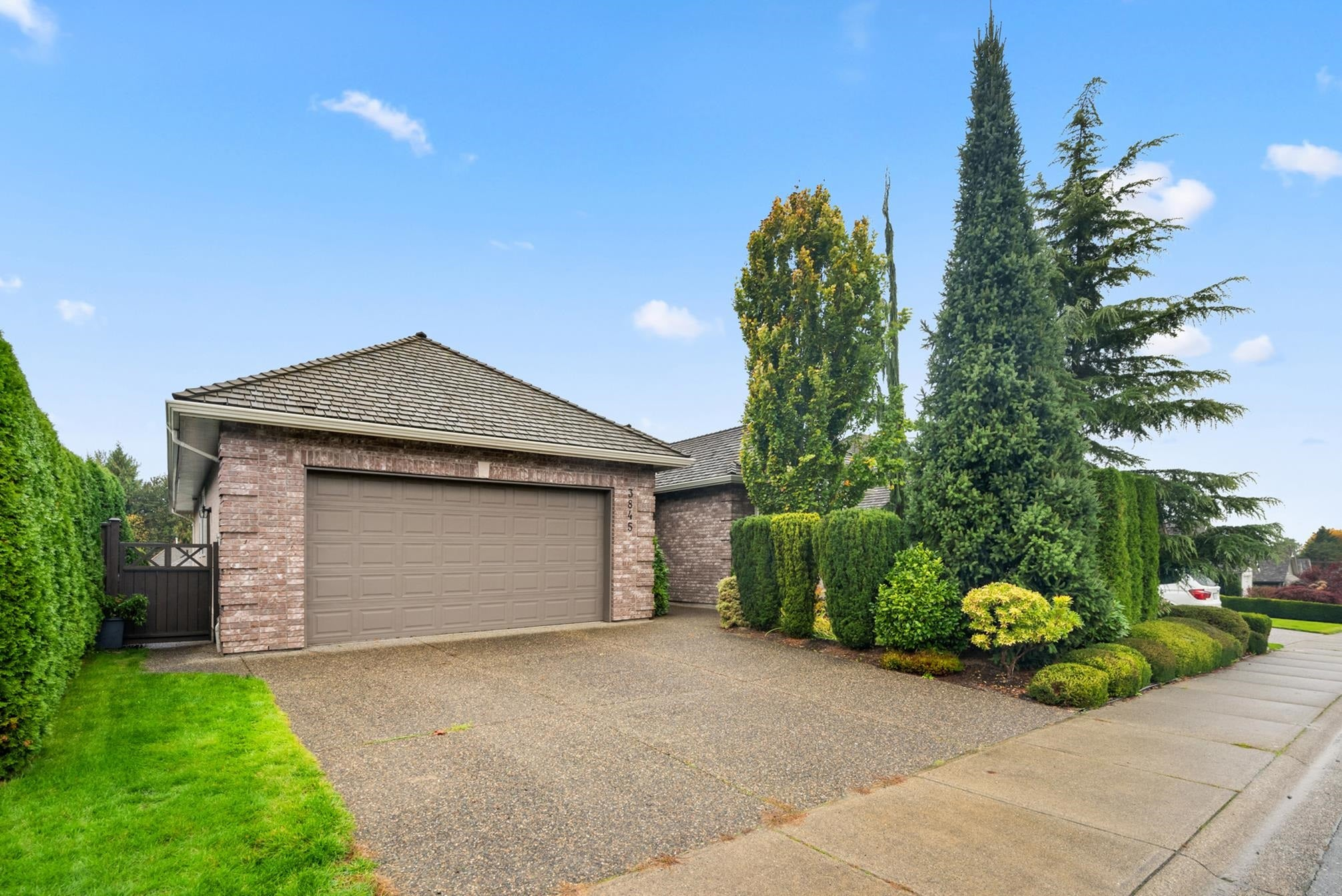 3845 LATIMER STREET - Abbotsford East House/Single Family for sale, 4 Bedrooms (R2627091) - #1