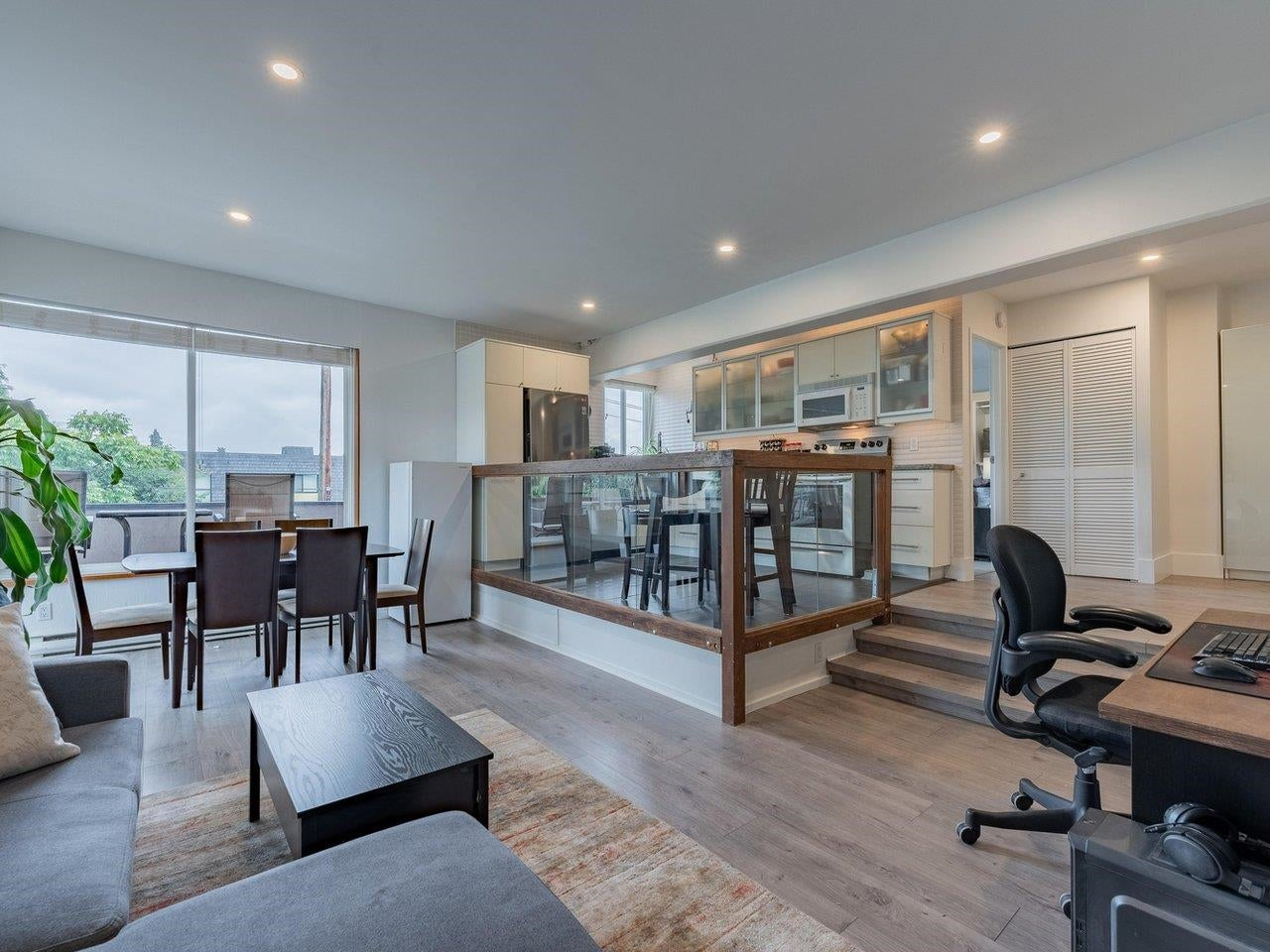 306 341 MAHON AVENUE - Lower Lonsdale Apartment/Condo for sale, 1 Bedroom (R2627199) - #1