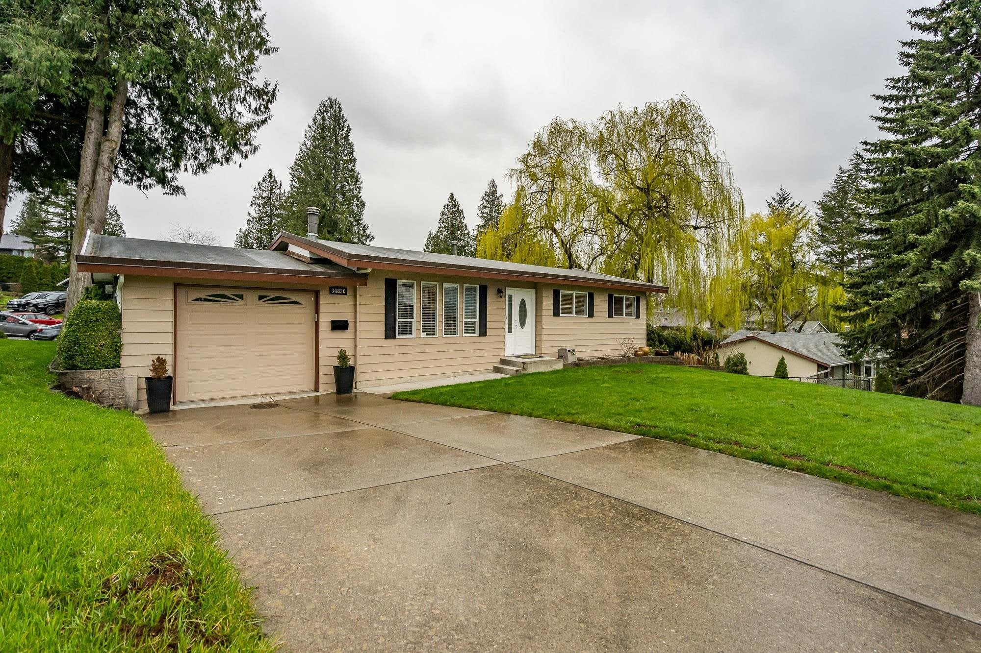34820 CHAMPLAIN CRESCENT - Abbotsford East House/Single Family for sale, 5 Bedrooms (R2627299) - #1