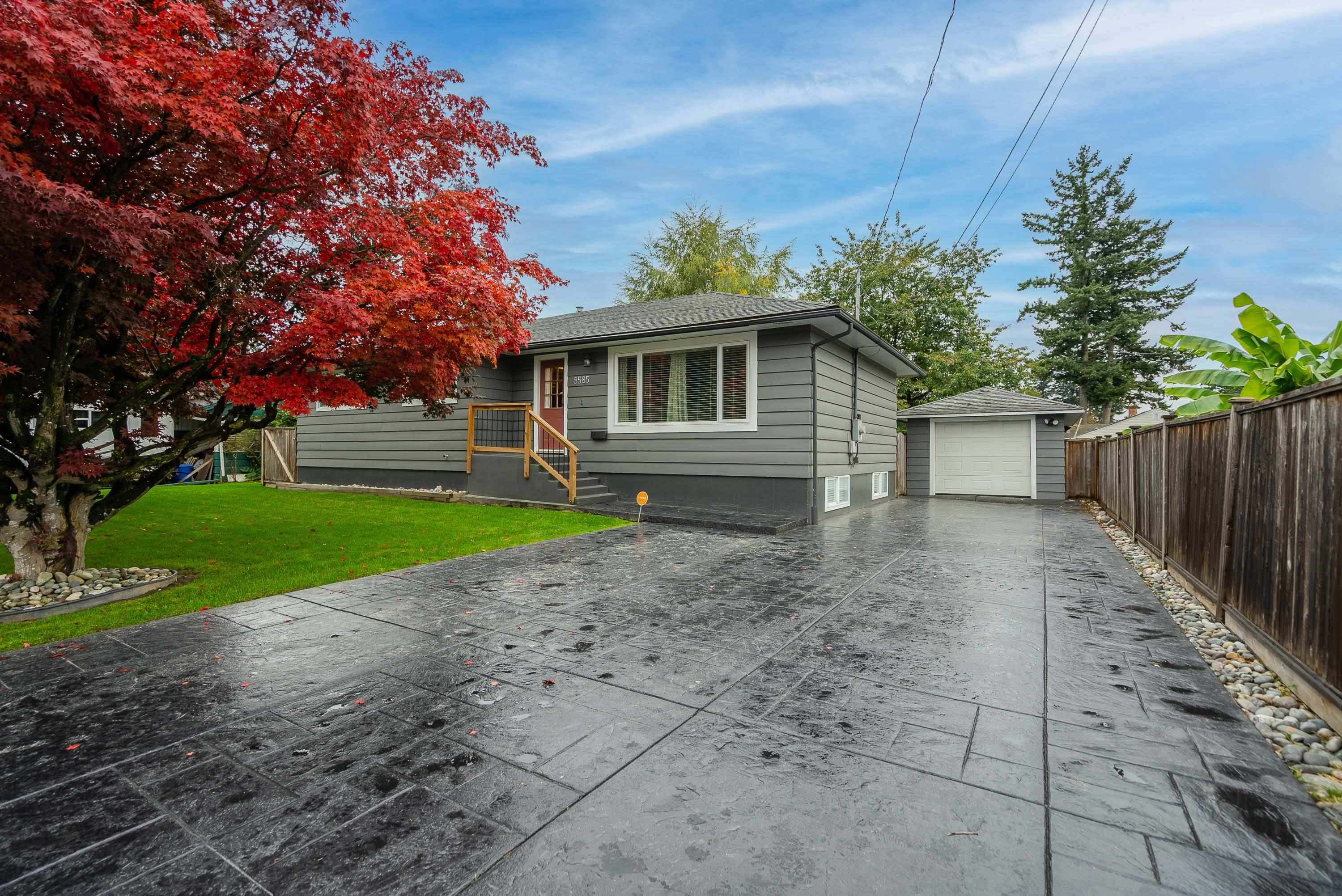 8585 NORMAN CRESCENT - Chilliwack E Young-Yale House/Single Family for sale, 5 Bedrooms (R2627368) - #1