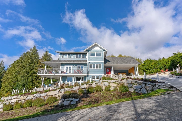 297 2ND STREET - Gibsons & Area House/Single Family for sale, 5 Bedrooms (R2627380)