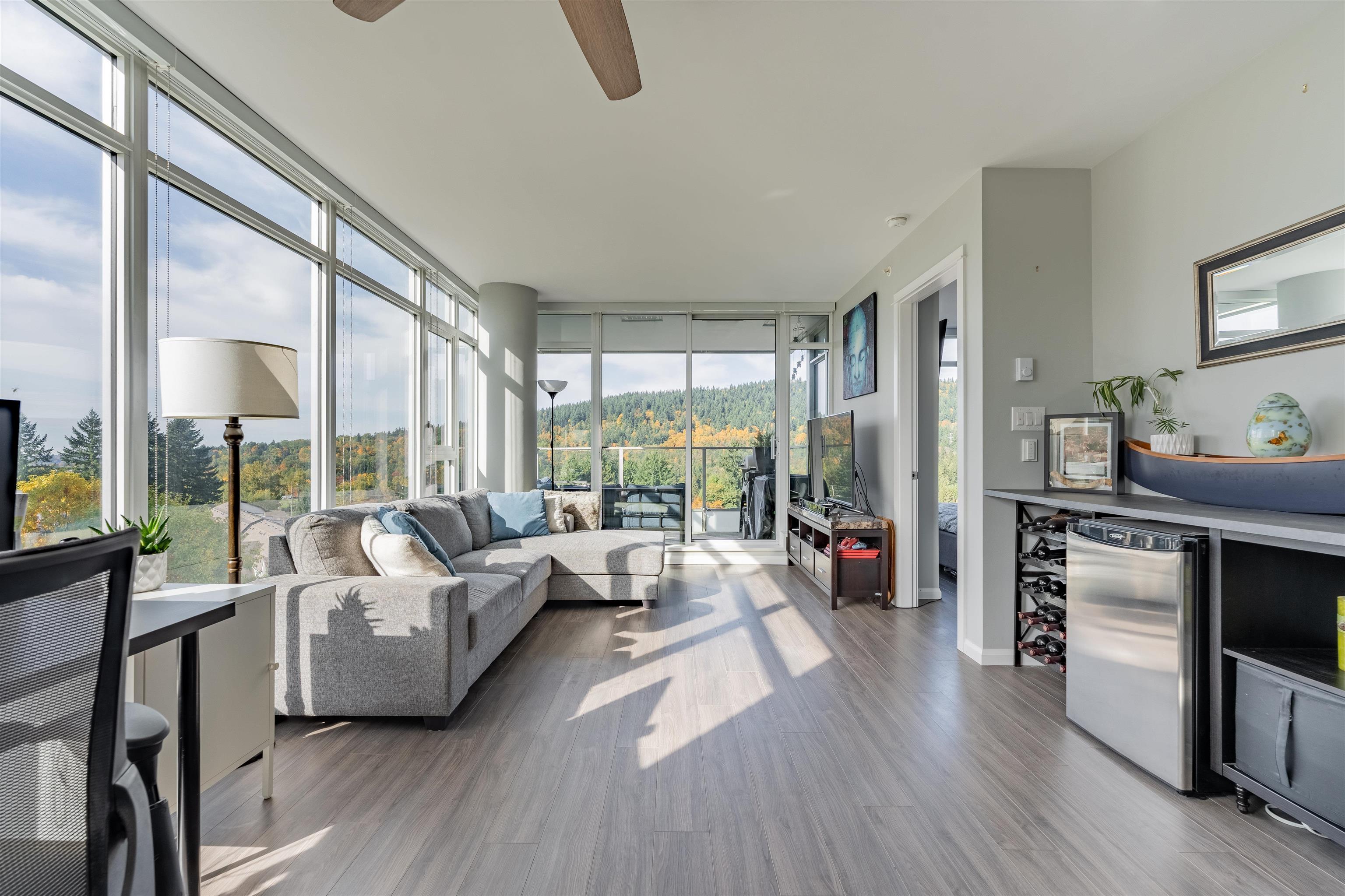 802 520 COMO LAKE AVENUE - Coquitlam West Apartment/Condo for sale, 2 Bedrooms (R2627575)
