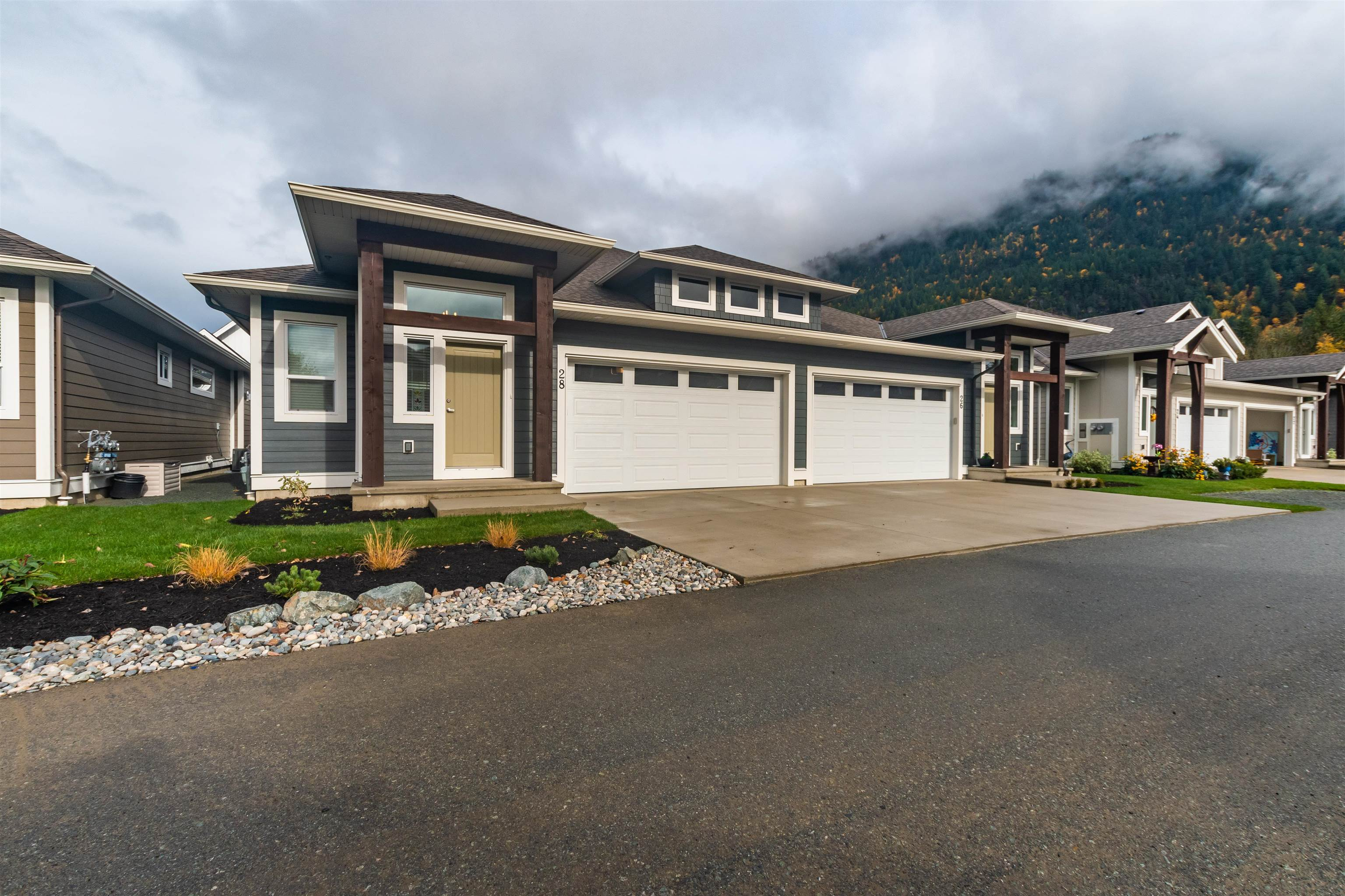 28 628 MCCOMBS DRIVE - Harrison Hot Springs 1/2 Duplex for sale, 2 Bedrooms (R2627639) - #1