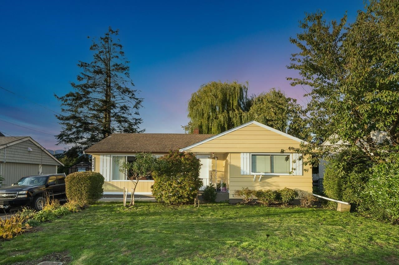 46649 CEDAR AVENUE - Chilliwack E Young-Yale House/Single Family for sale, 3 Bedrooms (R2627822) - #1