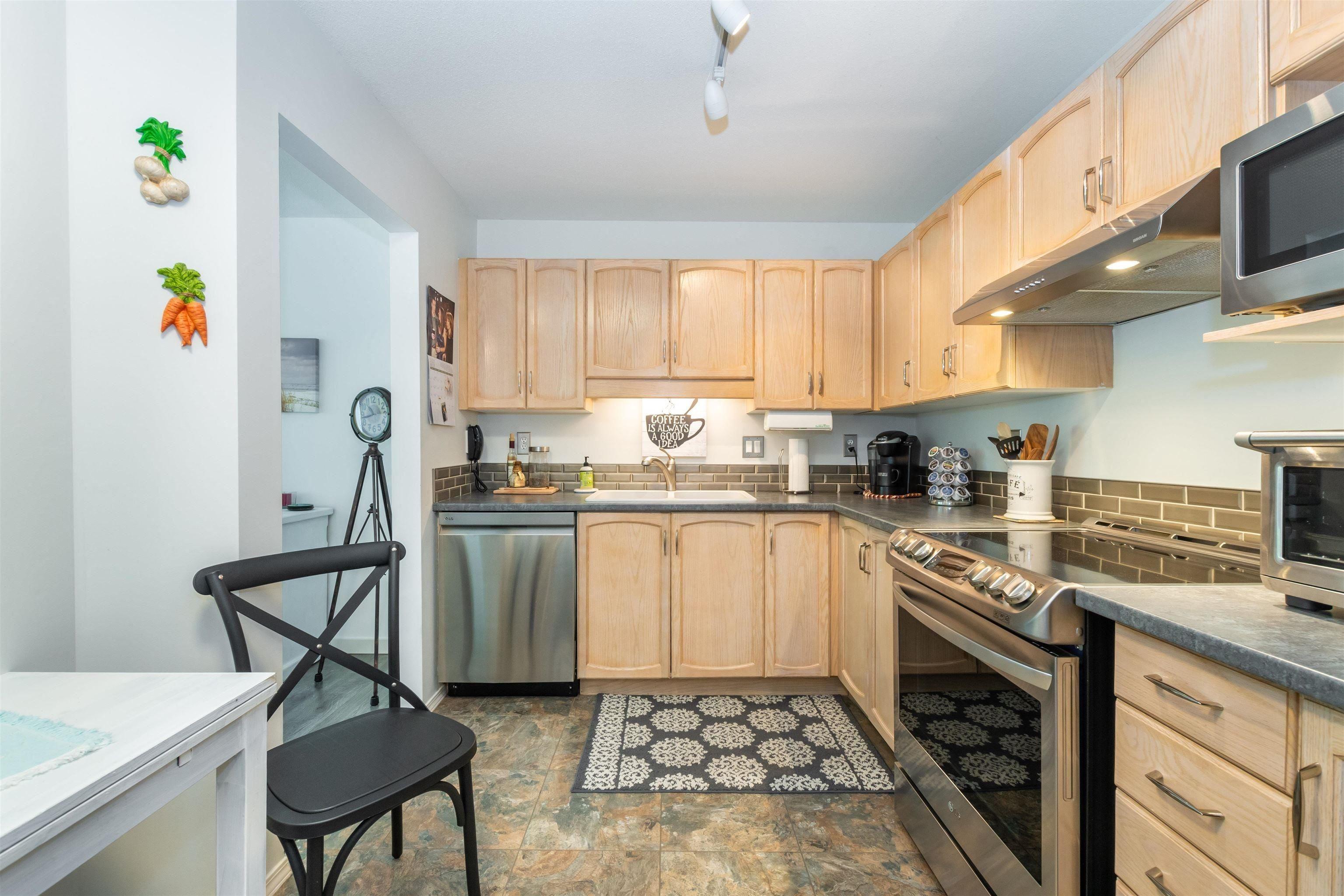 303 170 CEDAR AVENUE - Harrison Hot Springs Apartment/Condo for sale, 2 Bedrooms (R2627829) - #1