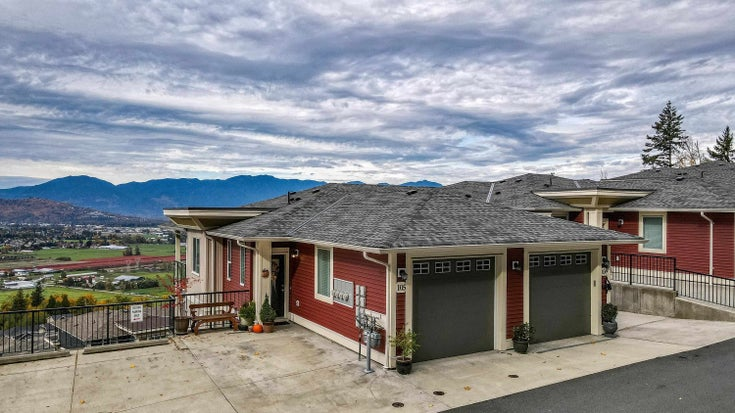 105 6026 LINDEMAN STREET - Promontory Townhouse for sale, 3 Bedrooms (R2627834)