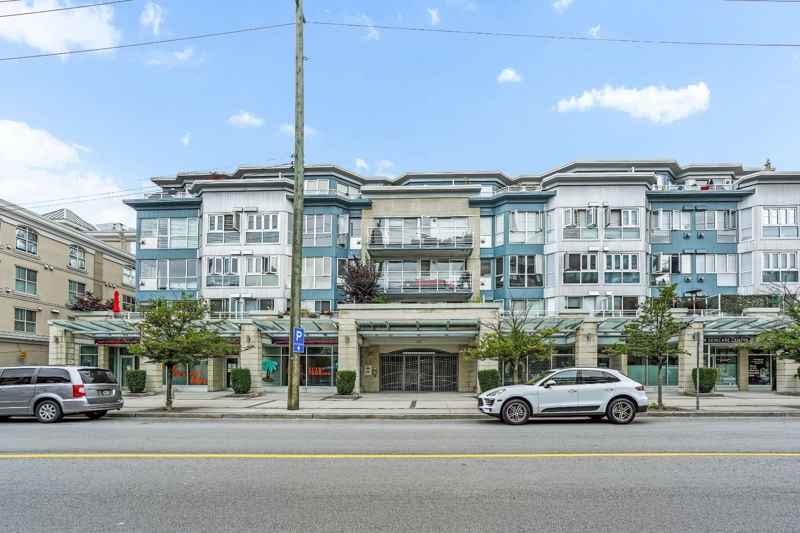 202 122 E 3RD STREET - Lower Lonsdale Apartment/Condo for sale, 2 Bedrooms (R2627892) - #1