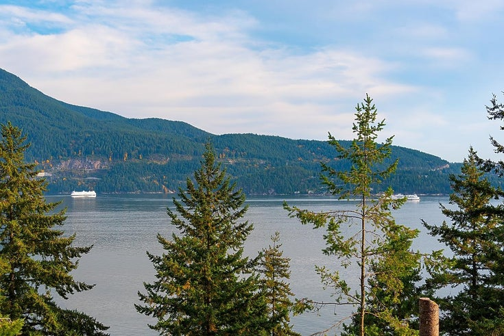205 HIGHLAND TRAIL - Bowen Island House/Single Family for sale, 2 Bedrooms (R2627961)