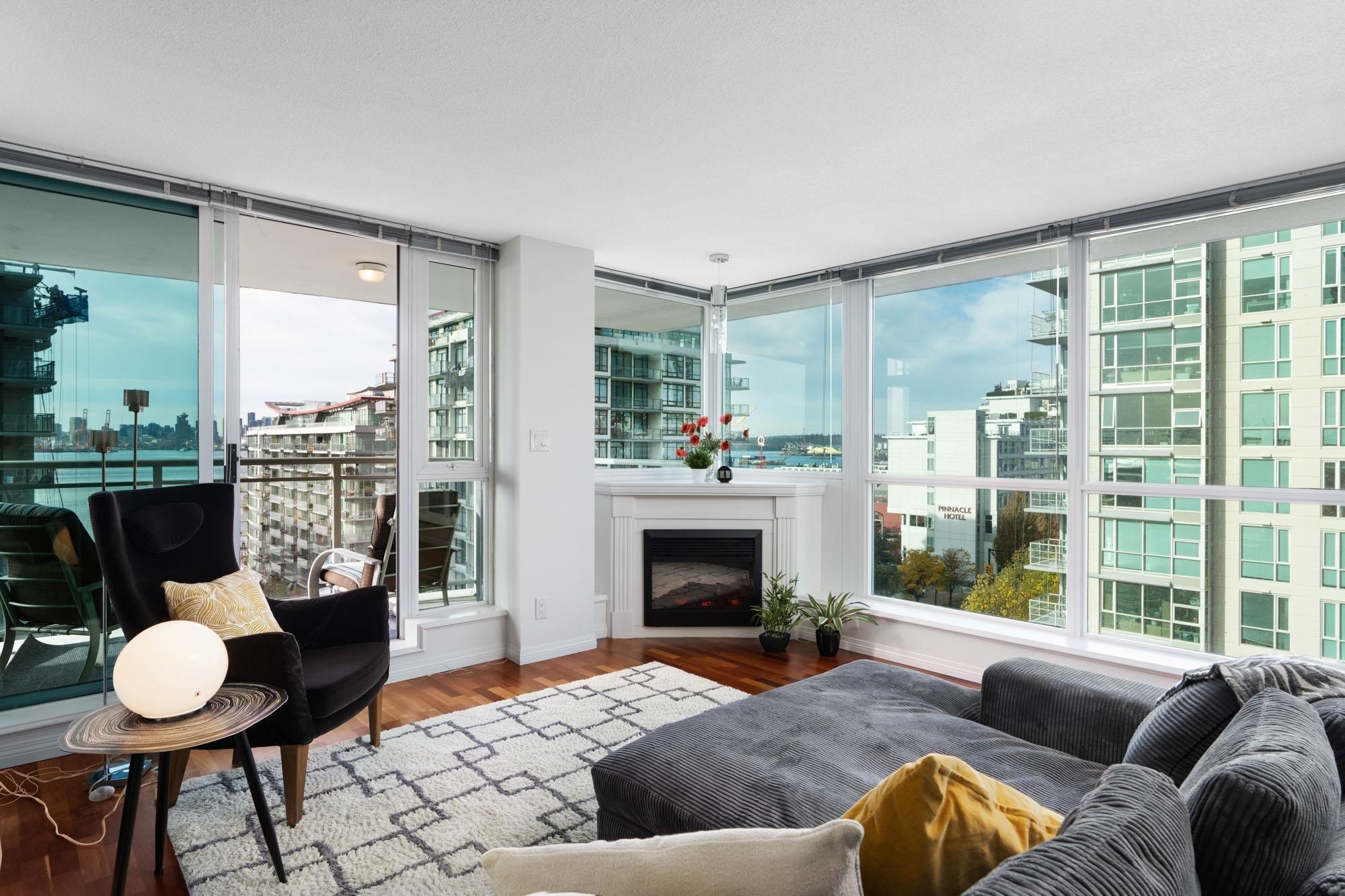 806 188 E ESPLANADE - Lower Lonsdale Apartment/Condo for sale, 2 Bedrooms (R2628019)