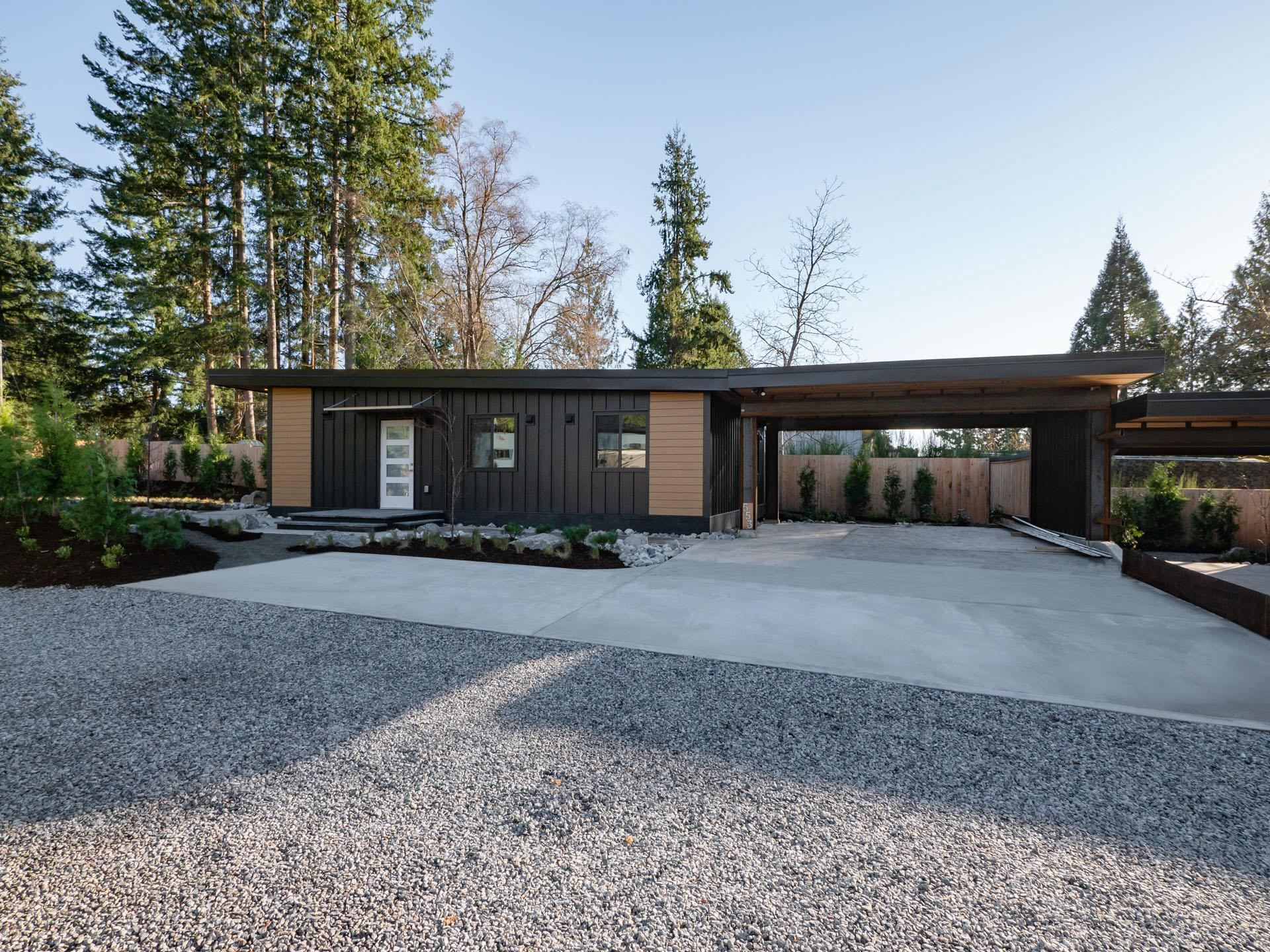 553 VETERANS ROAD - Gibsons & Area House/Single Family for sale, 2 Bedrooms (R2628105)