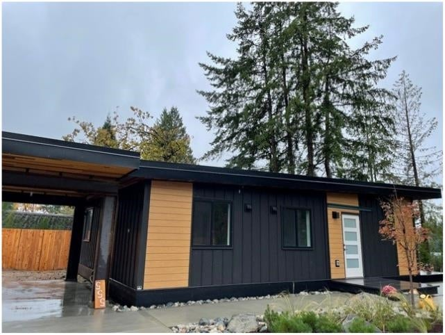 555 VETERANS ROAD - Gibsons & Area House/Single Family for sale, 2 Bedrooms (R2628106)