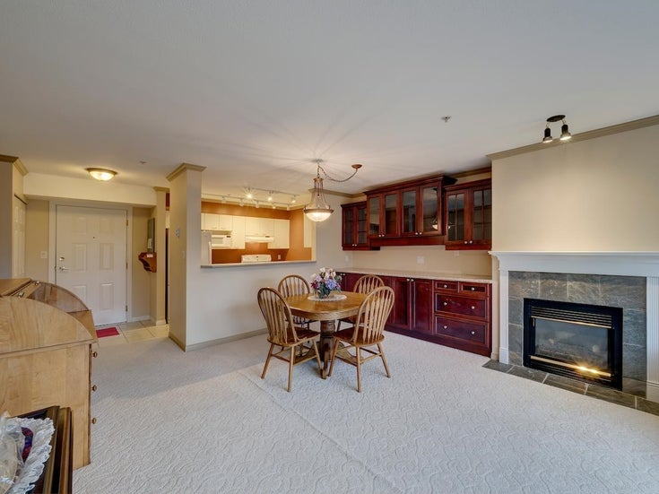 204 5855 COWRIE STREET - Sechelt District Apartment/Condo for sale, 2 Bedrooms (R2628567)