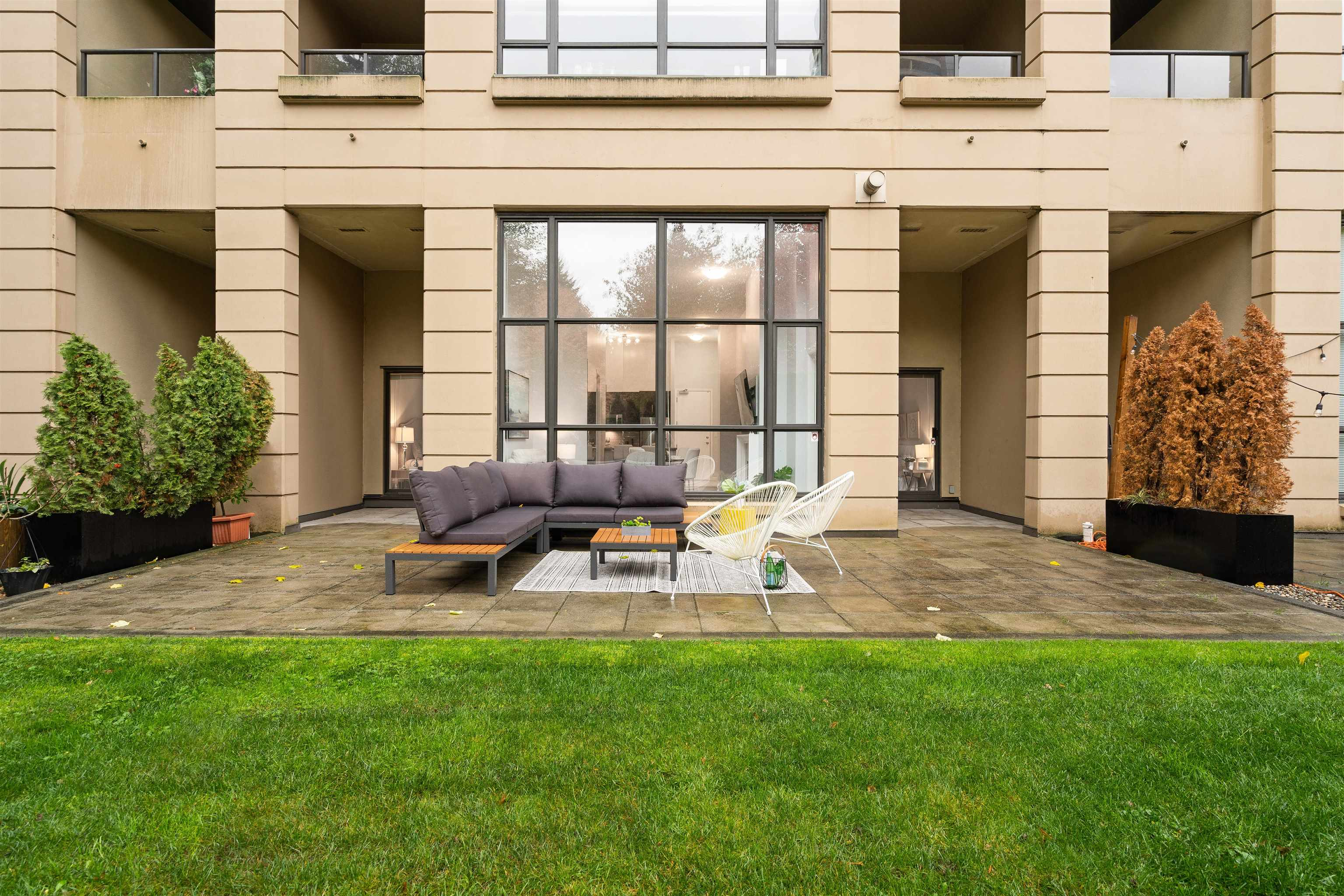 206 7388 SANDBORNE AVENUE - South Slope Apartment/Condo for sale, 2 Bedrooms (R2628590) - #1