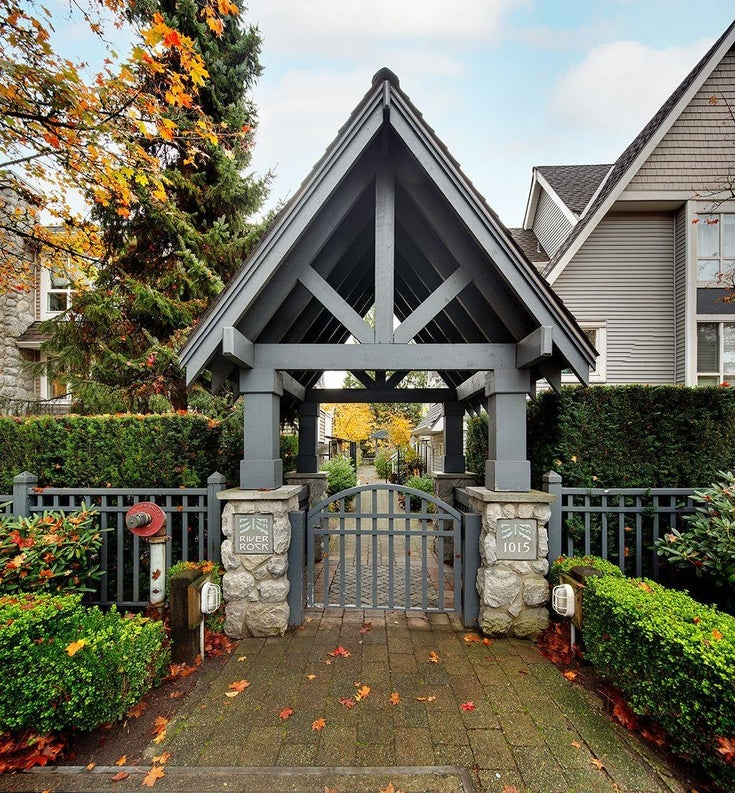 8 1015 LYNN VALLEY ROAD - Lynn Valley Townhouse for sale, 2 Bedrooms (R2629246)