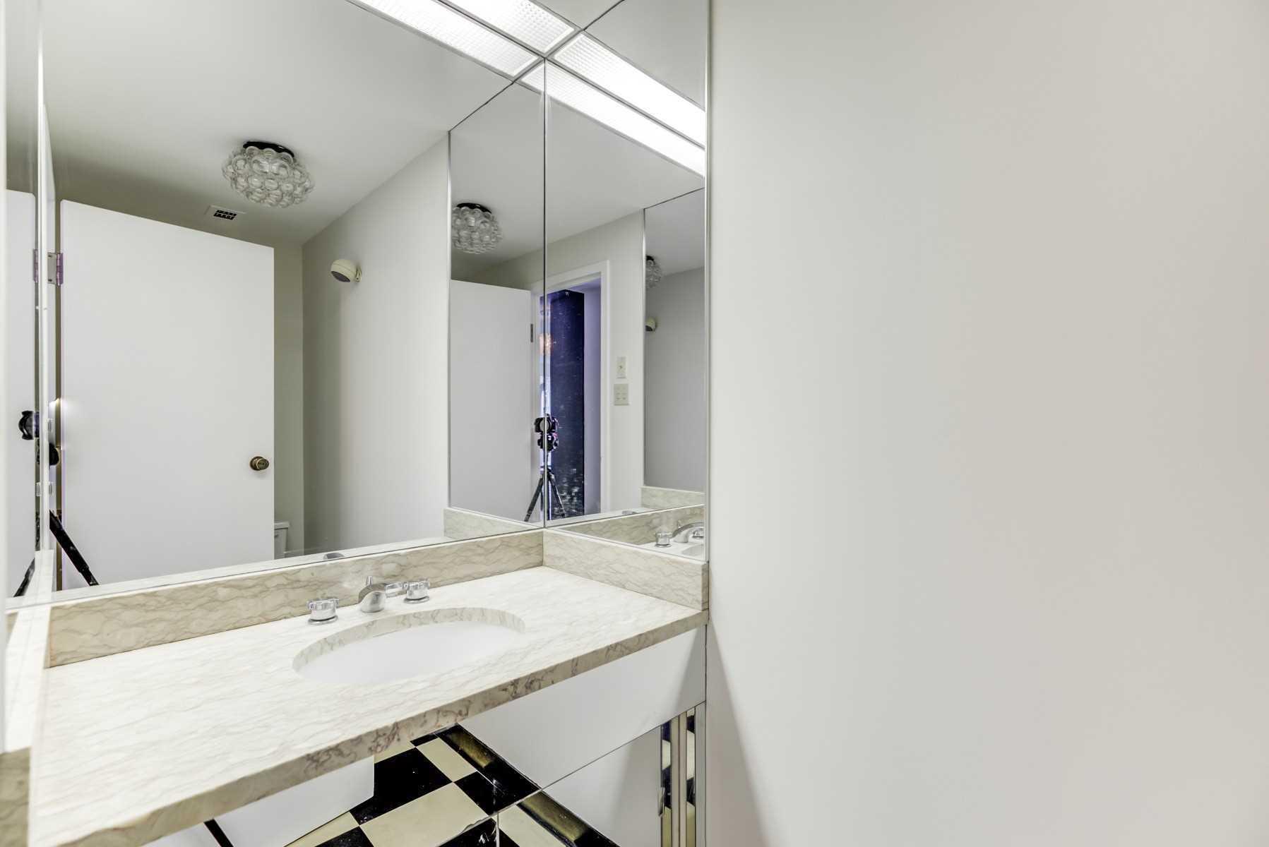 607 - 55A Avenue Rd - Annex Condo Apt for sale, 2 Bedrooms (C5185690) - #21