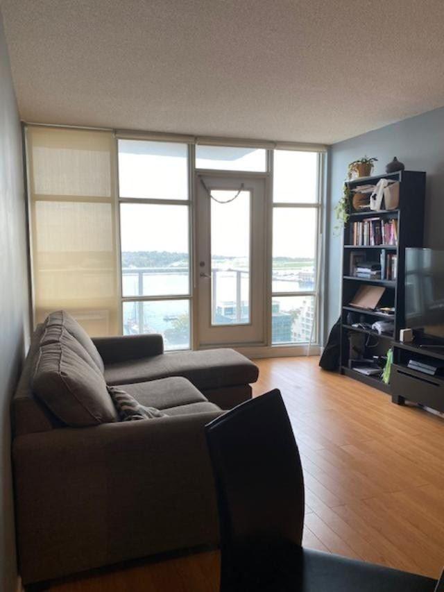 2111 - 35 Mariner Terr - Waterfront Communities C1 Condo Apt for sale, 1 Bedroom (C5406188)