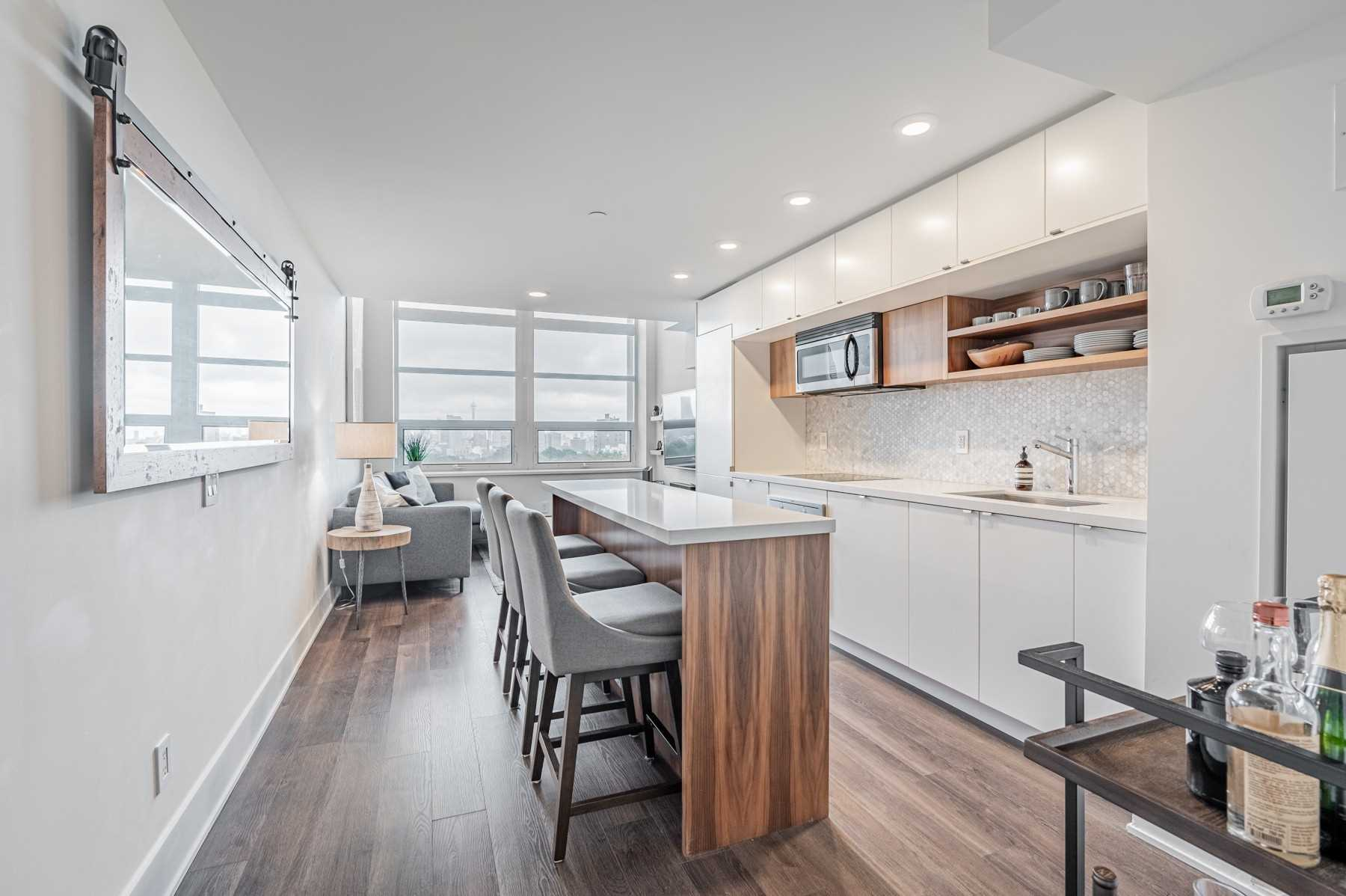 814 - 111 St Clair Ave W - Yonge-St. Clair Condo Apt for sale, 1 Bedroom (C5409381) - #1
