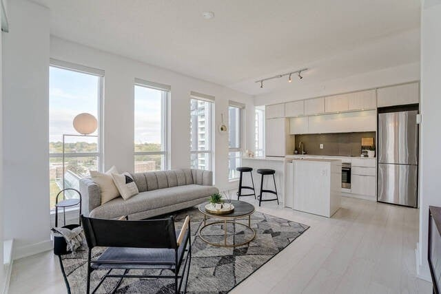 1009 - 170 Sumach  St - Regent Park Condo Apt for sale, 2 Bedrooms (C5411799)