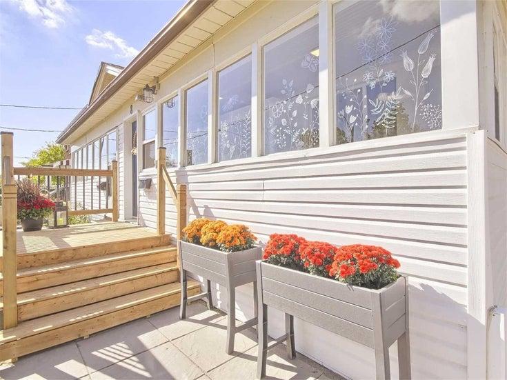 8 Laurel Ave - Kennedy Park Semi-Detached for sale, 3 Bedrooms (E5404309)