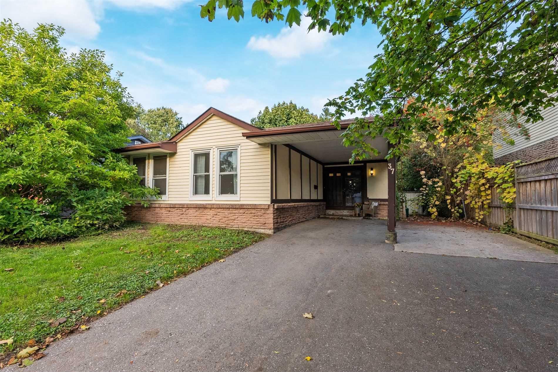 37 Simpson Ave - Bowmanville Detached for sale, 3 Bedrooms (E5409684) - #1