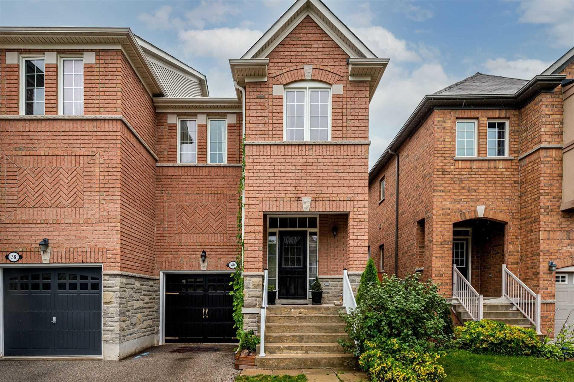 40 Gosnel Circ - Bradford Att/Row/Twnhouse for sale, 3 Bedrooms (N5324025) - #1