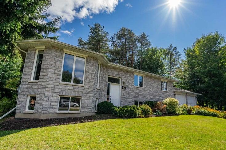 37 Pine Park Blvd - Everett Detached for sale, 2 Bedrooms (N5372167)