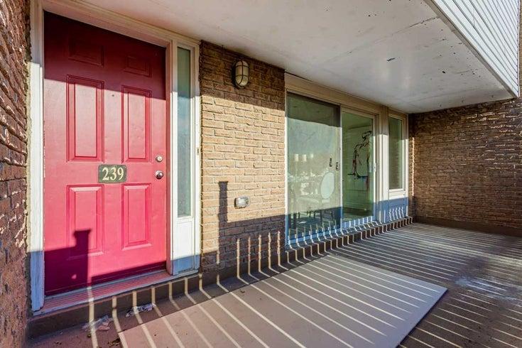 239 Milestone Cres - Aurora Village Condo Townhouse for sale, 4 Bedrooms (N5375670)