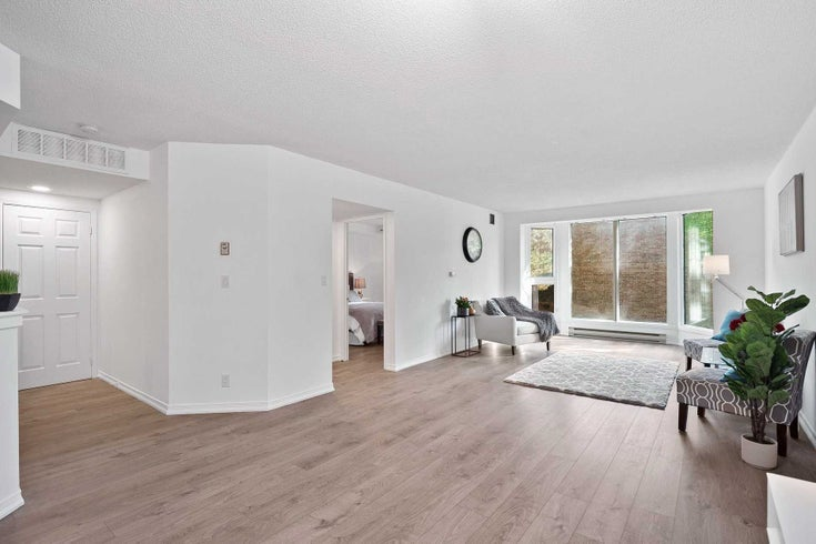 206 - 21 George St - Aurora Village Condo Apt for sale, 1 Bedroom (N5404474)