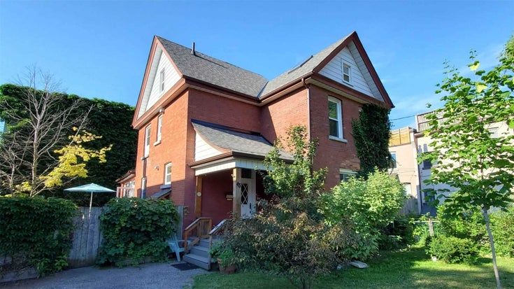 43 Northumberland St - Dovercourt-Wallace Emerson-Junction Triplex for sale, 6 Bedrooms (W5297869)