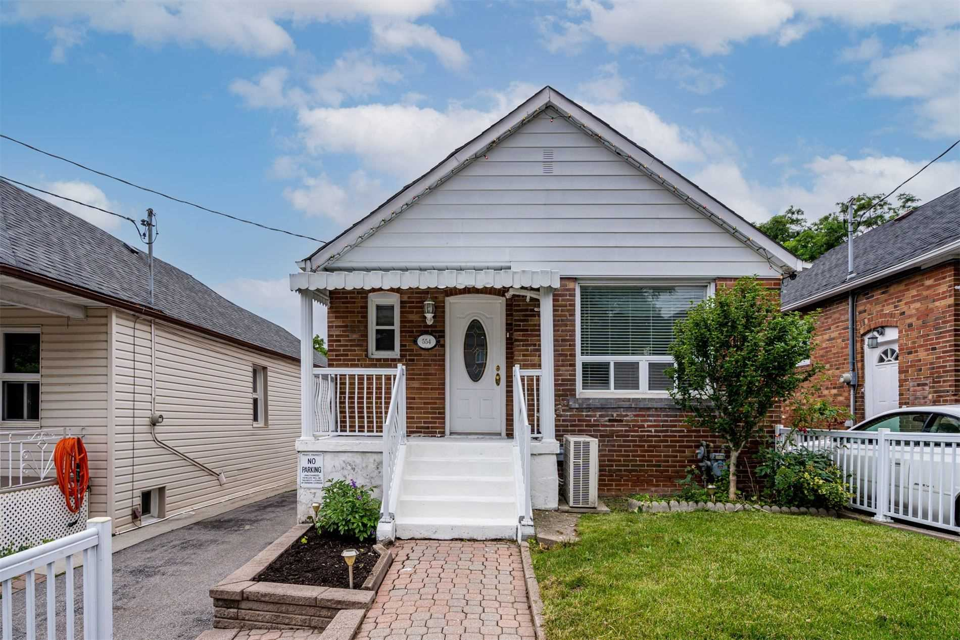 554 Caledonia Rd - Caledonia-Fairbank Detached for sale, 2 Bedrooms (W5305900) - #1
