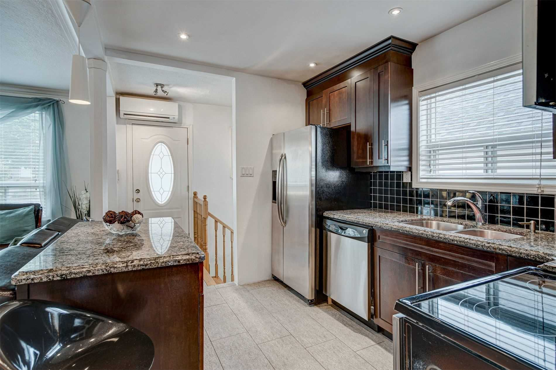 554 Caledonia Rd - Caledonia-Fairbank Detached for sale, 2 Bedrooms (W5305900) - #13