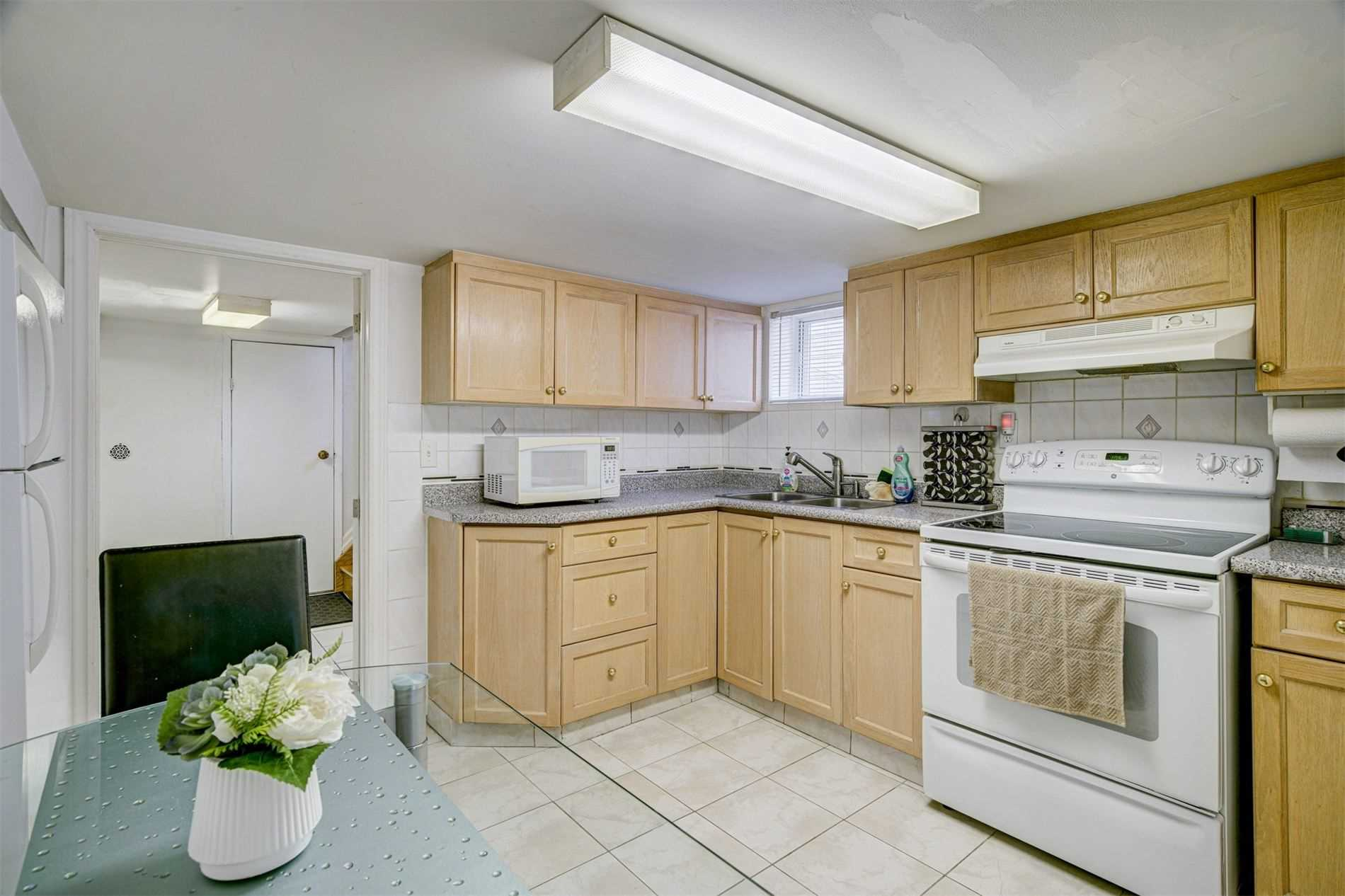 554 Caledonia Rd - Caledonia-Fairbank Detached for sale, 2 Bedrooms (W5305900) - #23