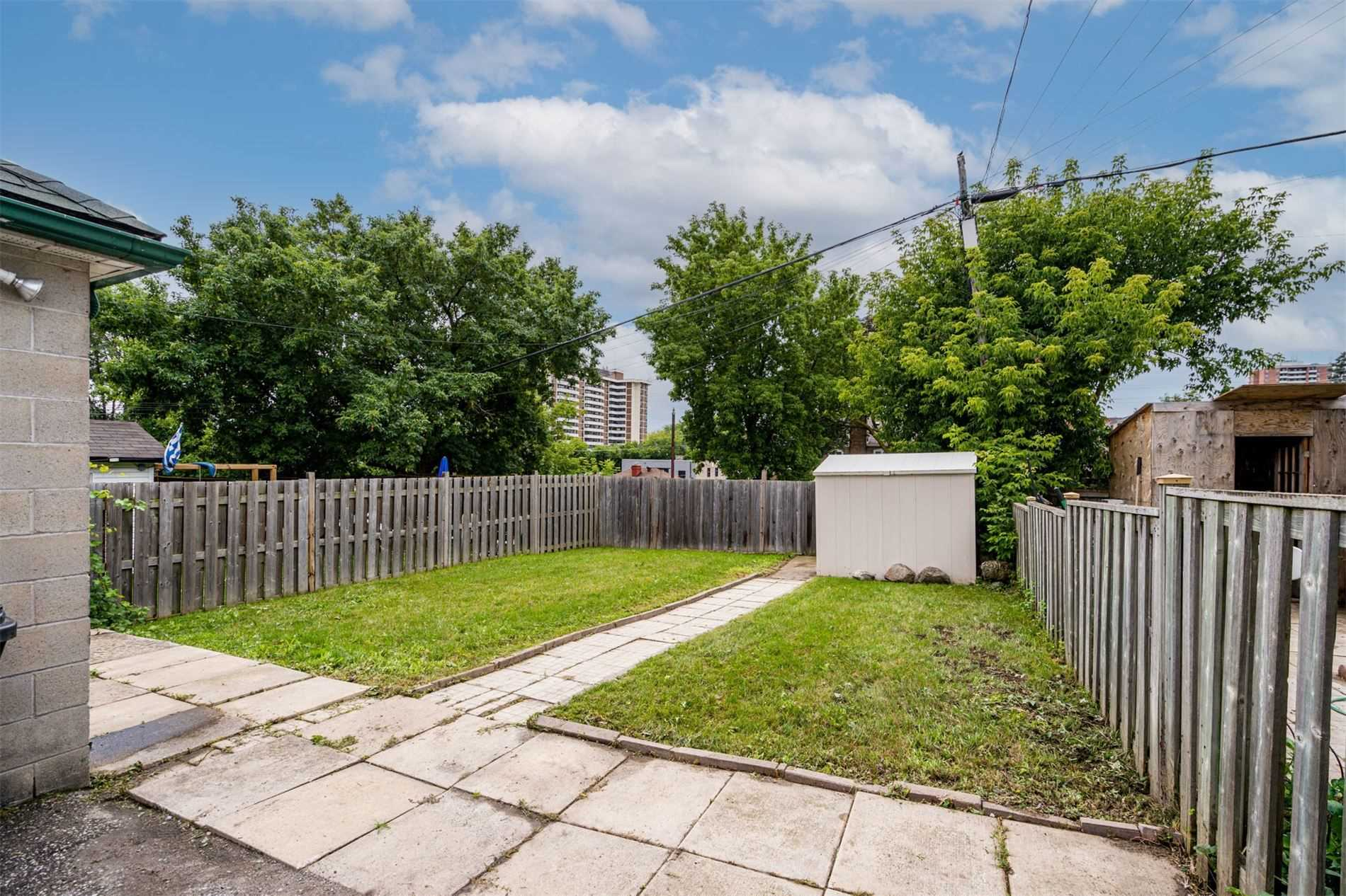 554 Caledonia Rd - Caledonia-Fairbank Detached for sale, 2 Bedrooms (W5305900) - #32