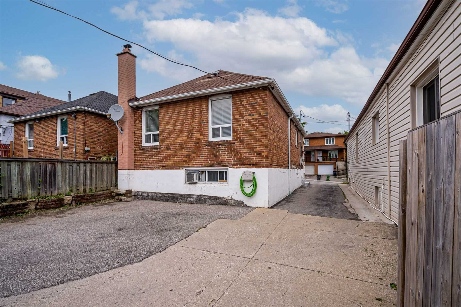 554 Caledonia Rd - Caledonia-Fairbank Detached for sale, 2 Bedrooms (W5305900) - #35