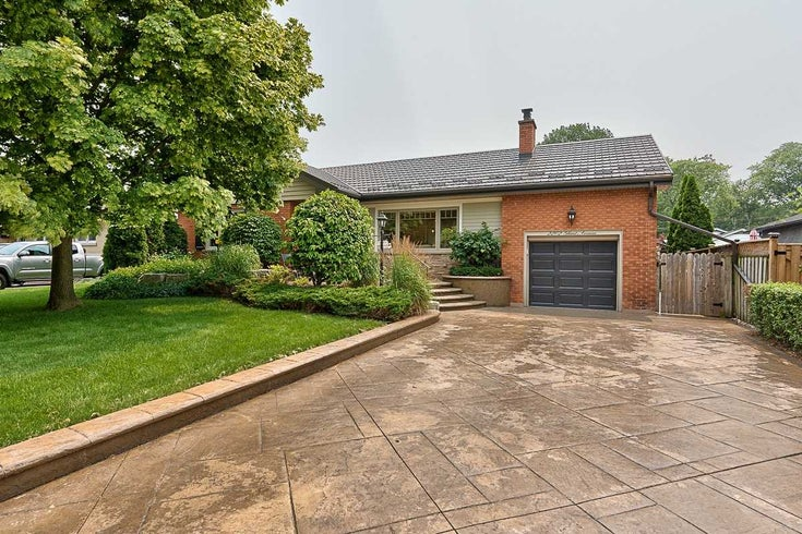 2202 Ghent Ave - Brant Detached for sale, 2 Bedrooms (W5316268)
