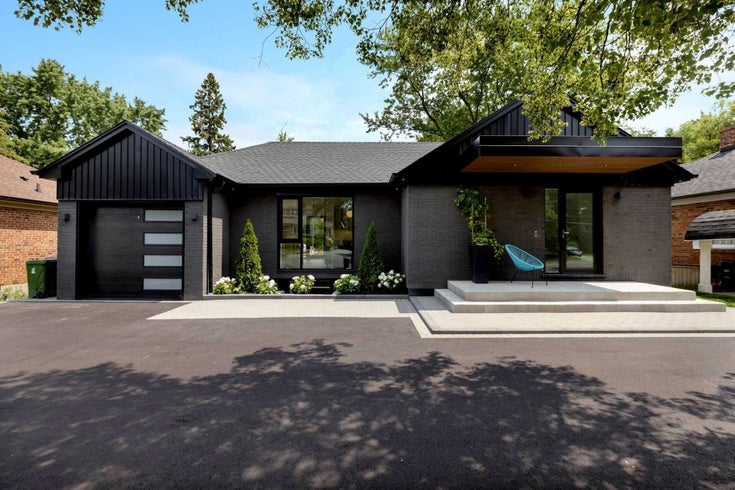 1373 Islington Ave - Edenbridge-Humber Valley Detached for sale, 1 Bedroom (W5318507)