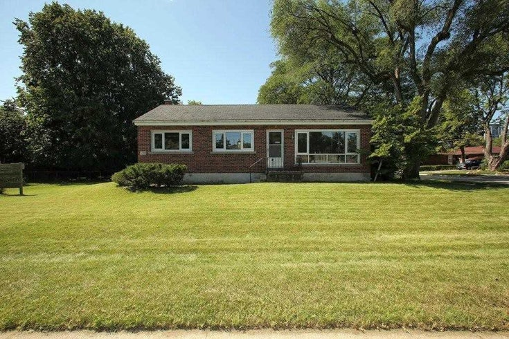 748 George St - Brant Detached for sale, 3 Bedrooms (W5358733)