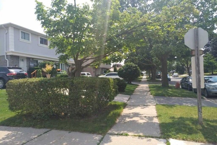 783 Dodsworth Cres - Applewood Semi-Detached for sale, 4 Bedrooms (W5374026)