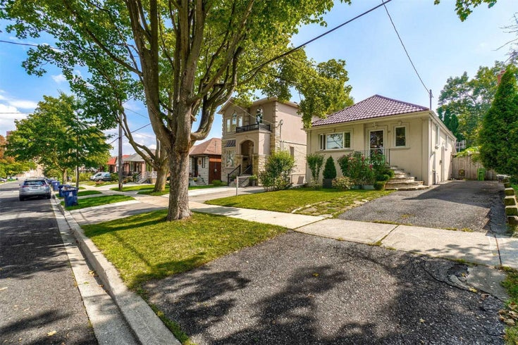 27 Braeburn Ave - Humber Heights Detached for sale, 2 Bedrooms (W5375578)