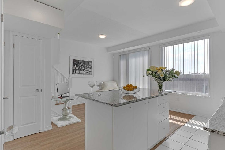 140 - 34 Fieldway Rd - Islington-City Centre West Condo Townhouse for sale, 2 Bedrooms (W5377987)