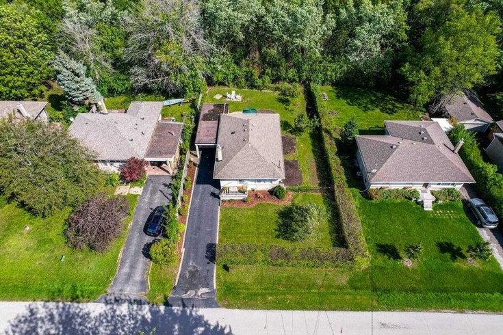 2116 Duncan Rd - Eastlake Detached for sale, 3 Bedrooms (W5381815)