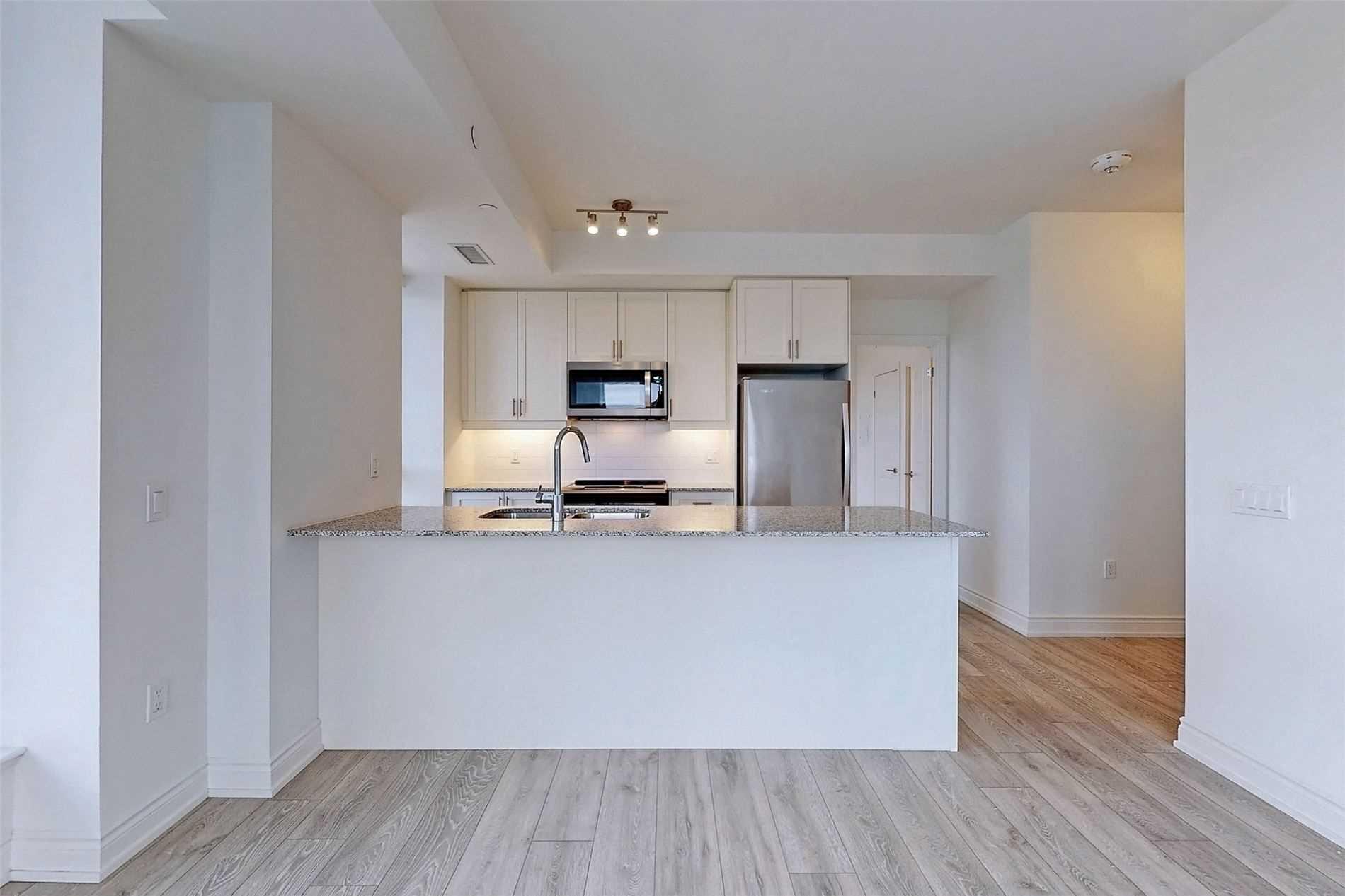 221 - 1050 Main St E - Dempsey Condo Apt for sale, 3 Bedrooms (W5398557) - #14